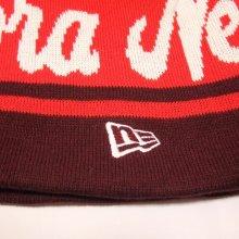 他のアングル写真3: NEWERA ポンポンニット帽 (バーガンディーXスカーレットXホワイト)