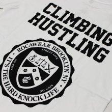 他のアングル写真3: ROCAWEAR(ロカウェア)CLIMBING HUSTLINGバックプリント Tシャツ(WHITE)